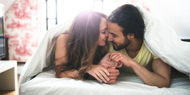 10 Super Easy Ways to Be More Romantic