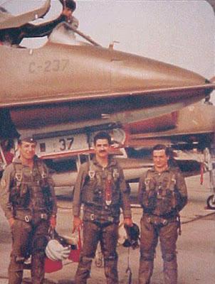 pablo carballo y pilotos héroes de malvinas derribados
