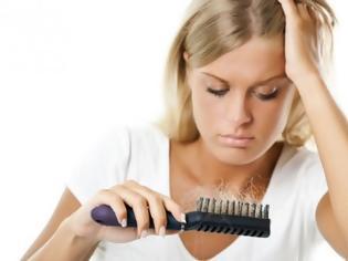 Για ποιο λόγο πέφτουν περισσότερα μαλλιά το καλοκαίρι