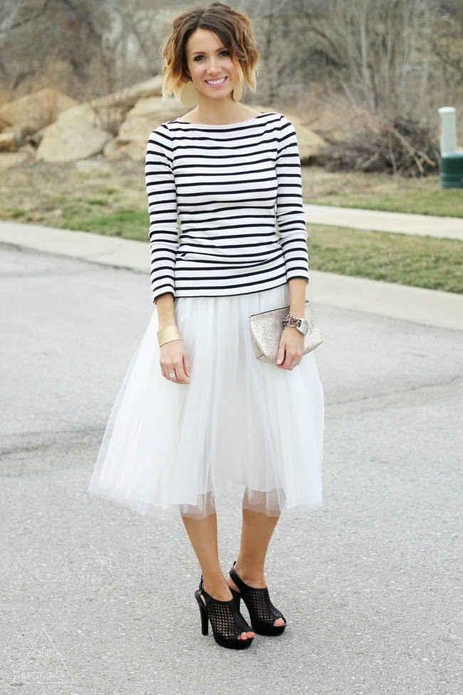 Stripes and a tulle skirt with black perforated heels and gold jewelry