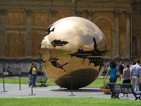 muzeele-vaticane-sfera-din-metal