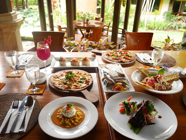 Lunch kami di The Lumbung Restaurant