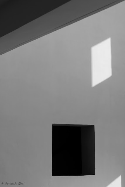 A Minimal Picture of various Simple Geometric forms such as Line, Square, Triangle and Rhombus shot at Jawahar Kala Kendra Jaipur, using Canon 600D DSLR.
