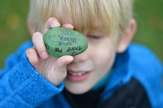 Reima, love on the rocks, painted rocks, rock hunting