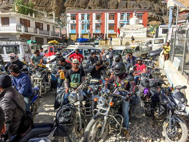 kaza petrol pump riders
