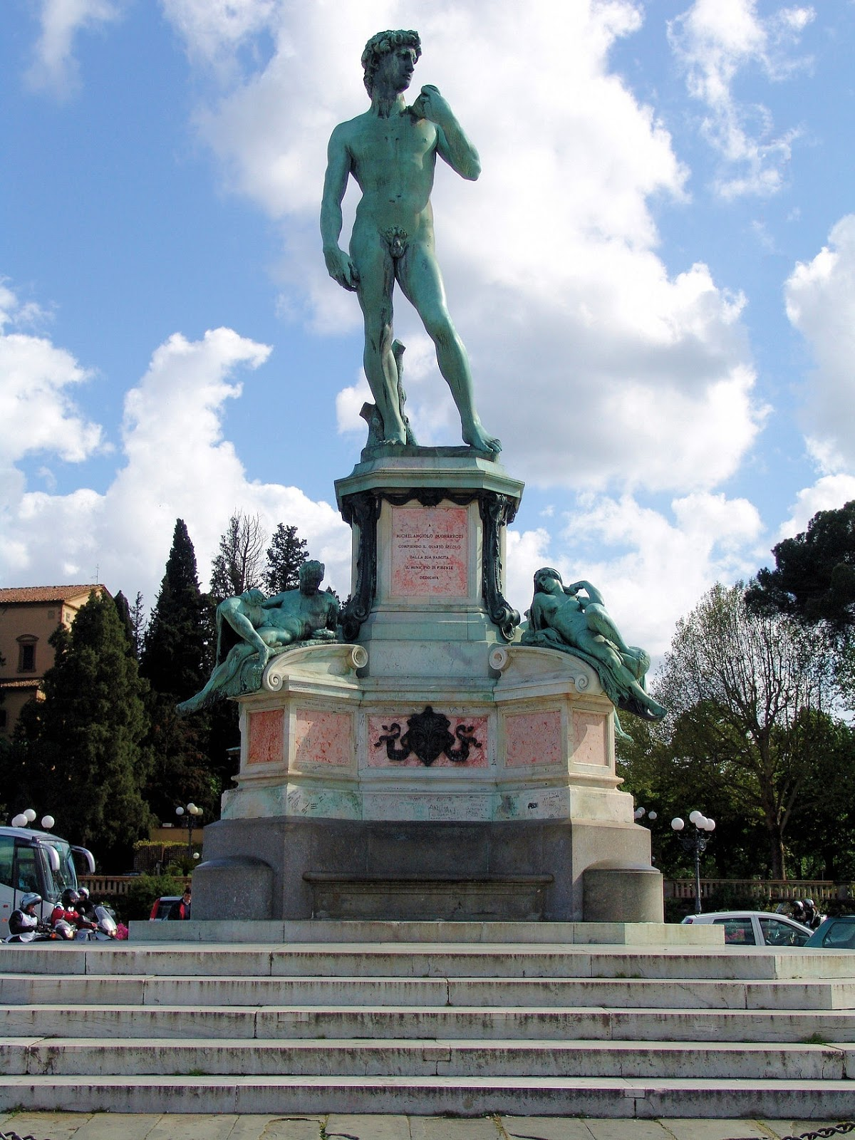 Replica of Michelangelo's 'David' at the Piazzale Michelangelo in Oltrarno. Photo: WikiMedia.org.