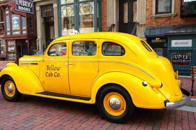 Big Yellow Taxi at Universal Studios Japan