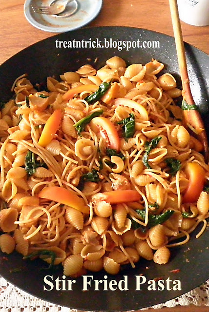 Stir Fried Pasta Recipe @ treatntrick.blogspot.com