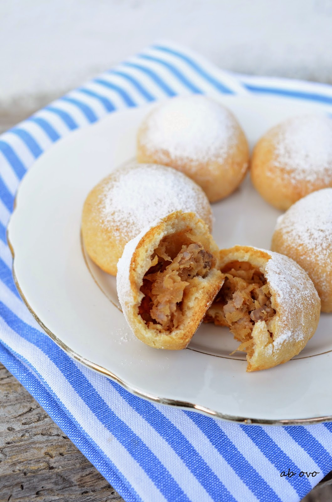 Ab ovo blog di ricette biscotti ripieni alle mele e noci for Dolci e ricette