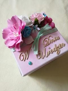 Box urodzinowy dla Agnieszki – mięta i róż