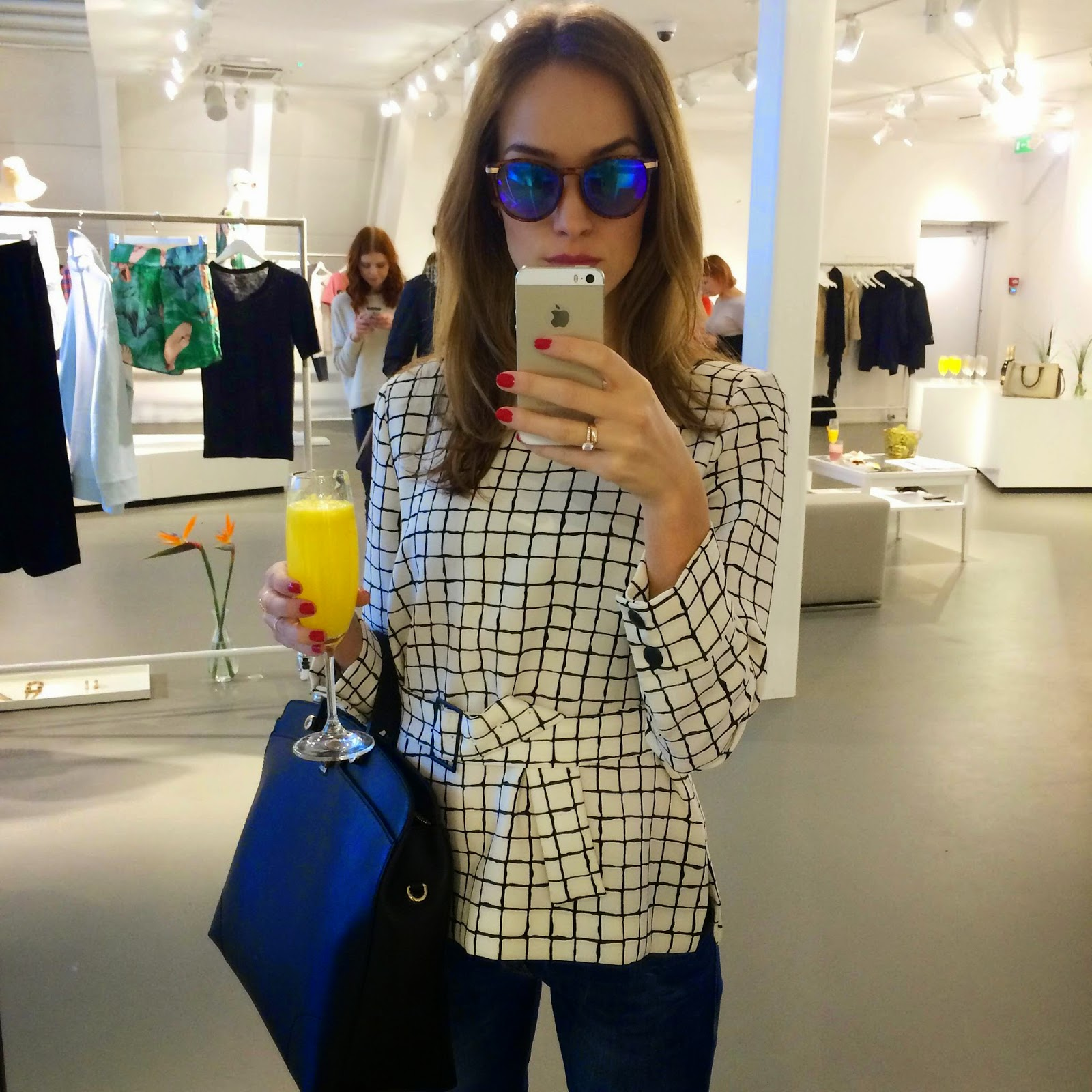 zara-square-prin-top-furla-bag-guess-jeans-hm-sunglasses