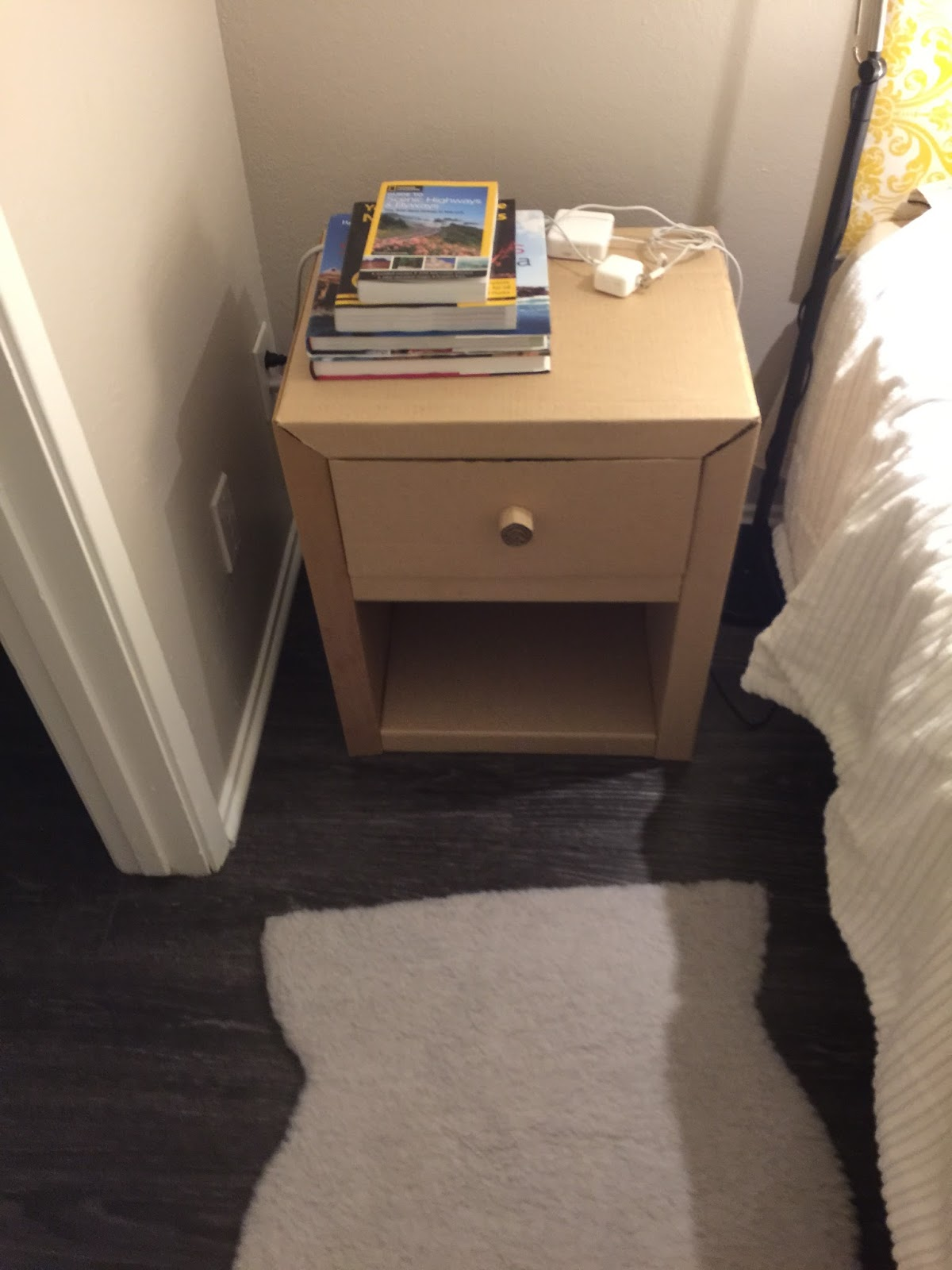 Diy Bedside Table Diy Cardboard Bedside Table Night Stand Diy