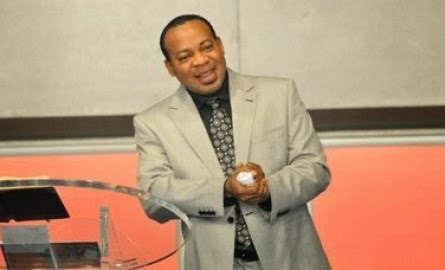 SEE GOBE: Pastor Chris Brother, Rev Ken, Accused of Doing it With A South African Woman