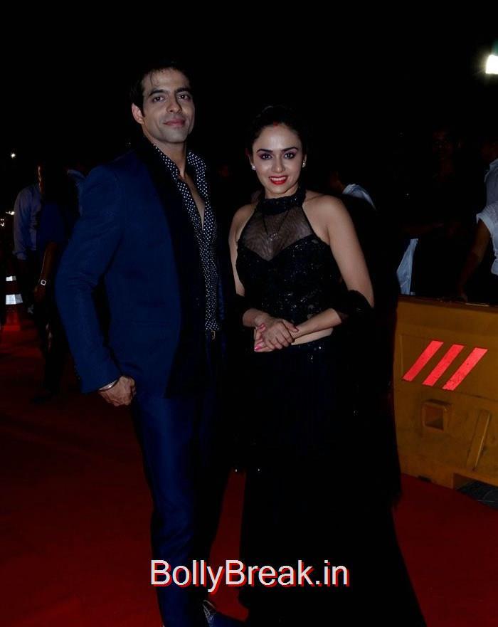 Ashok Malhotra, Amruta Khanvilkar, Asha Negi Simone Singh Hot HD Images At Star Parivaar Awards 2015 Photo Gallery