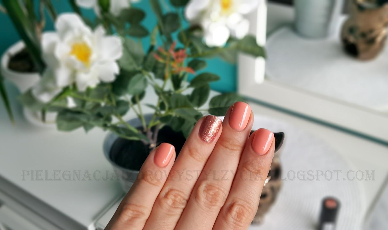 Pink Gold Semilac i Peach Milk Semilac - swatche na paznokciach