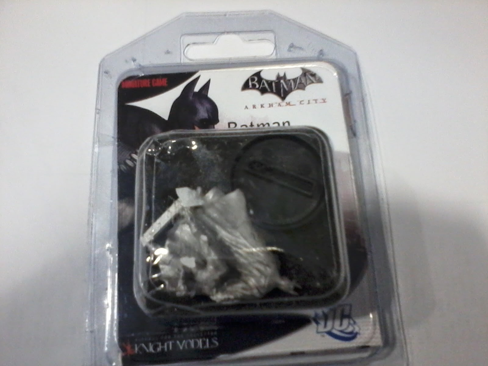 batman-batman miniature games-batman arkham asylum-unboxing batman model arkham asylum- (1)