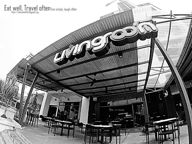 Living room cafe pelangi johor for Living room jb
