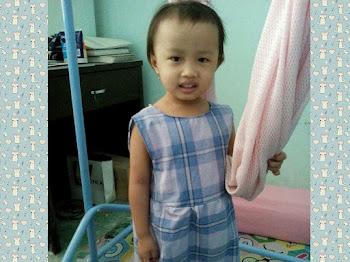 Gaun Kanak-kanak yang Comel