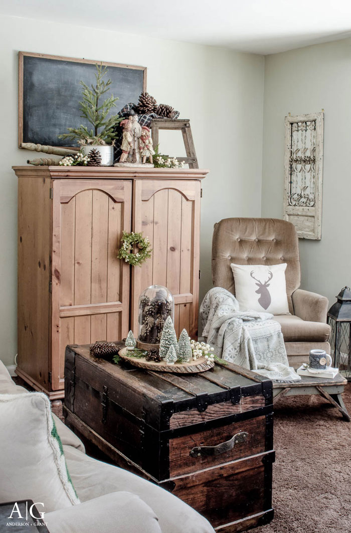 Learn unique tips for creating a cozy home this winter.  |  www.andersonandgrant.com