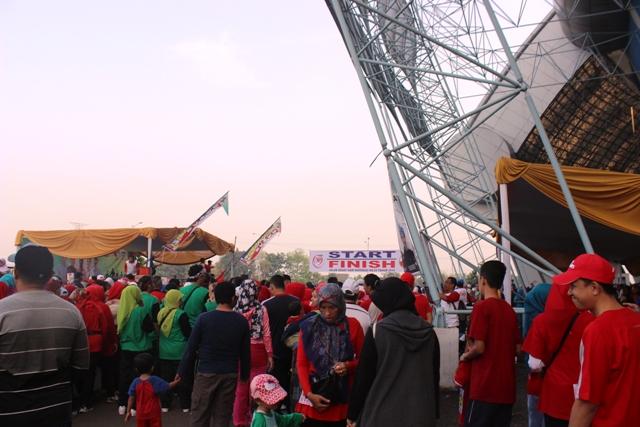 Jalan Santai Hari Koperasi 2016 di Stadion GBLA