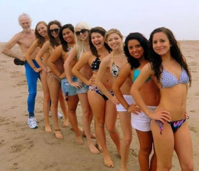 The Masters of Photobomb That Masterfully (29 pics).