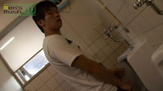 MR-ON552 – 草食系若男子、トイレで勃起☆
