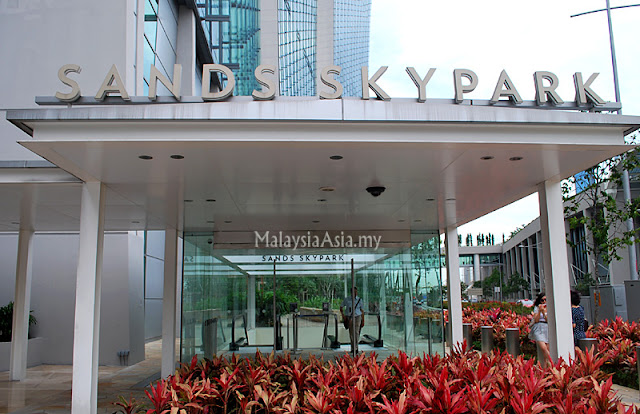 Entrance to Sands Skypark Singapore