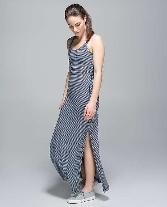lululemon-refresh-max-dress