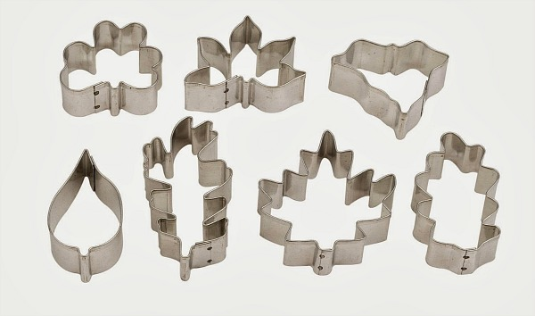 Leaf shaped cookie cutters featured on Walking on Sunshine Recipes.