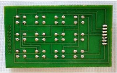papan PCB untuk menyolder komponen elektronik
