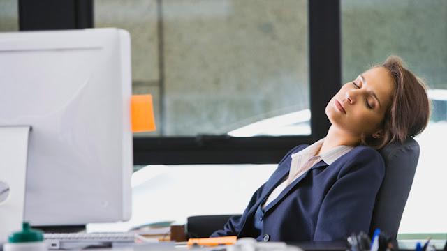 5 Cara Menghilangkan Ngantuk Pada Saat Kerja