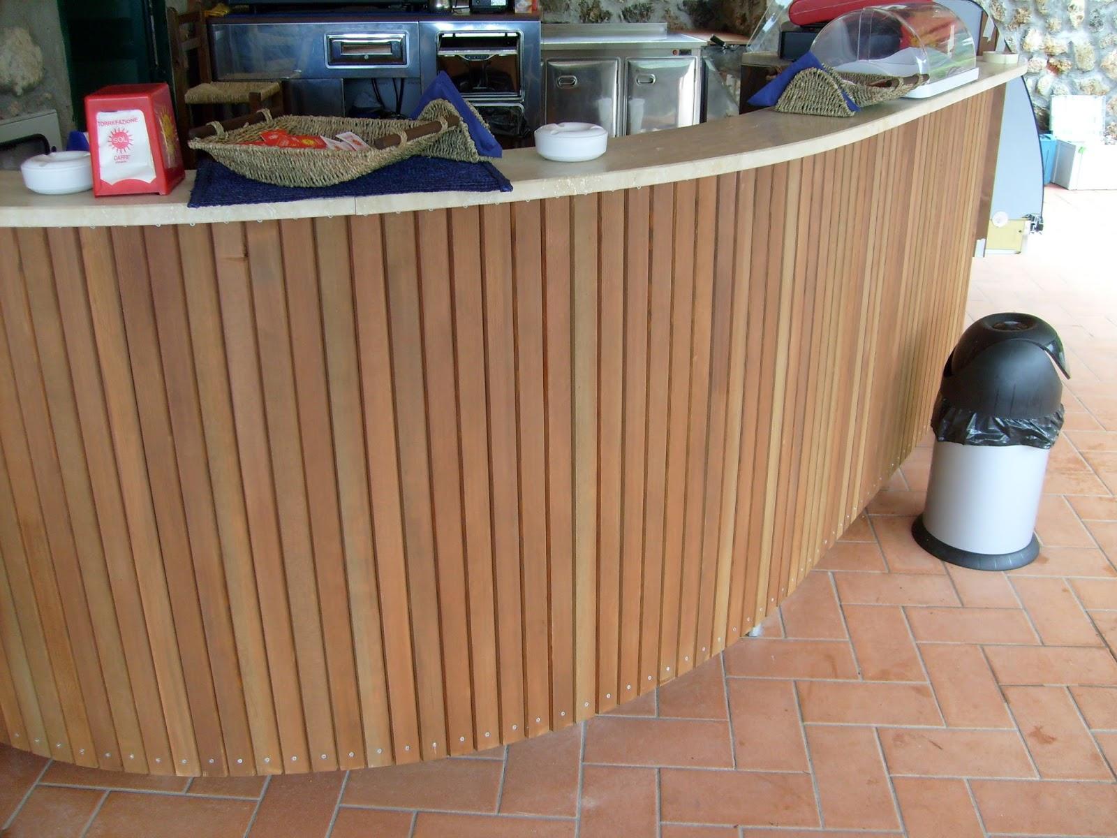 Rivestimento bancone bar in legno for Arredo service sas foggia