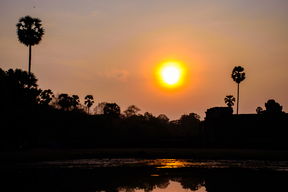 sunrise at angkor wat temple siem reap cambodia pictures