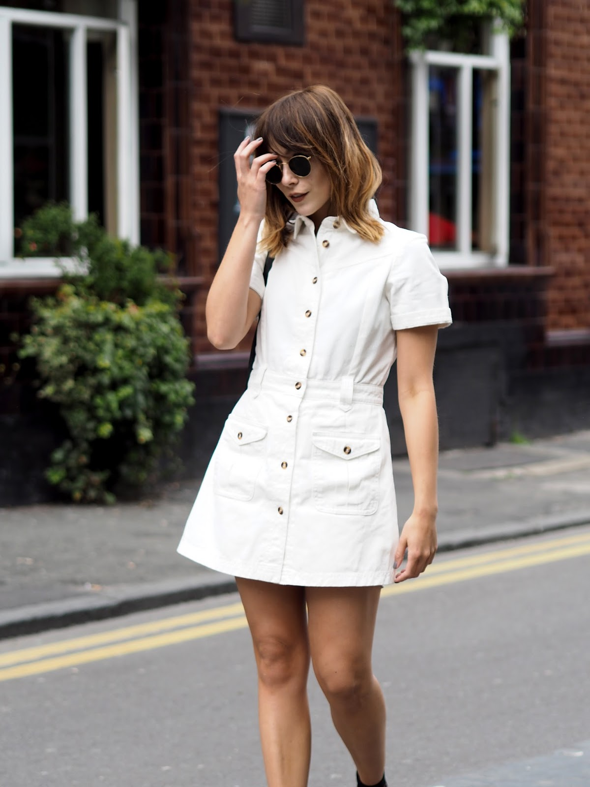 Relaxed weekend look, white sixties style dress by Lost Ink