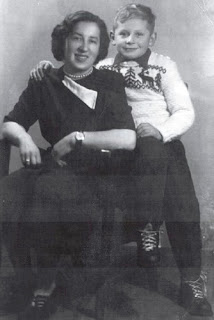 Czesława Kuraś Bochyńska z d. Polaczyk z synem Zbigniewem