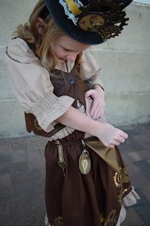 little girl DIY steampunk costume