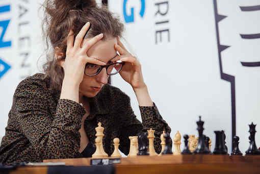 Après 3 rondes, Alexandra Kosteniuk est en tête avec 2,5 points suivie de sa compatriote Valentina Gunina e l'Américaine Irina Krush à 2 points - Photo © Austin Fuller