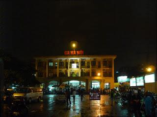 Hanoi Railway Station to go to Sapa