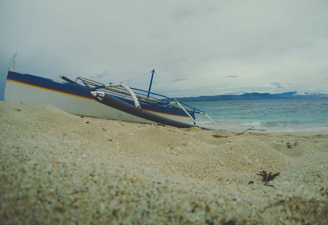 hermana menor zambales beach