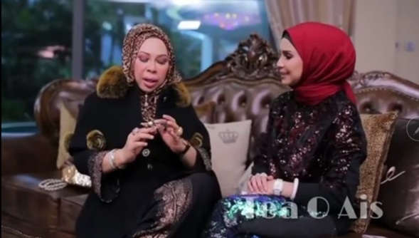 [VIDEO] Wow!! Kembara Che Ta ke Rumah Dato Vida. Habis Koleksi Dato tunjukMercik you! Macam2 ada dah boleh bukak Gallery tu..