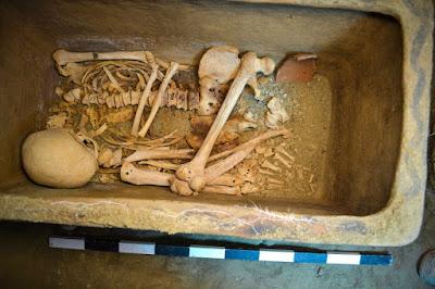 H ανακάλυψη του ασύλητου μινωικού τάφου στην Ιεράπετρα και η σημασία του
