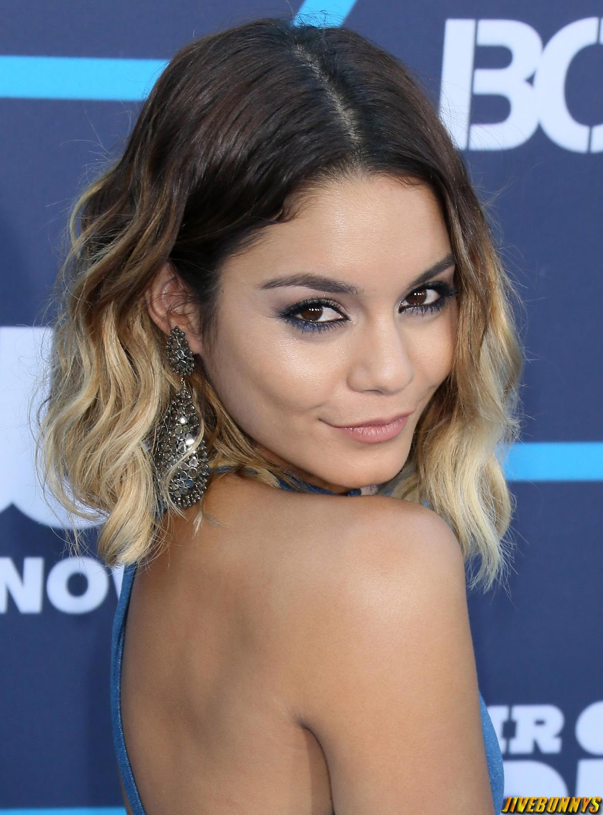 Vanessa Hudgens Sexy Photos and Picture Gallery 11