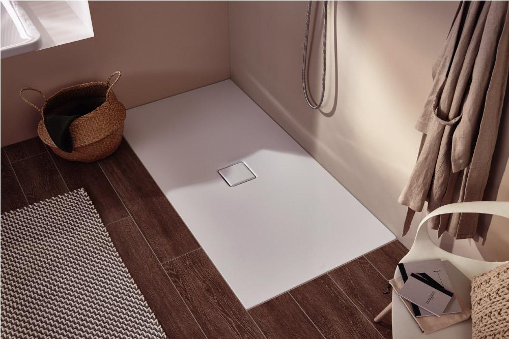 Piastrelle e acciaio smaltato un dream team perfetto per il bagno blog di arredamento e - Piatto doccia piastrelle ...