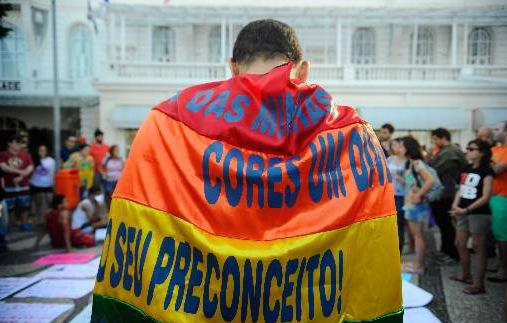 STF deve decidir esta semana se homofobia será crime no Brasil