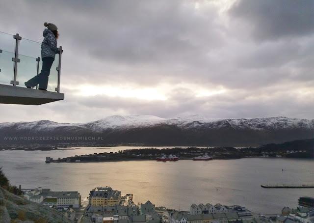 alesund na weekend, alesund, norwegia, tanie loty, tanie podróże, tanie wycieczki, alesund co zobaczyć, norwegia co zobaczyć, backpacking, norwegia autostop, norwegia fiordy, autostop blog