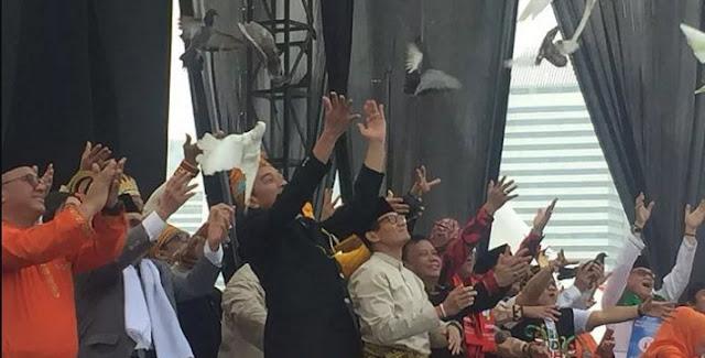 Jubir Tim Jokowi ke PD: Ada yang Lebih Penting dari Burung Kiai Ma'ruf?