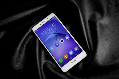 5 місце Huawei Honor 6X 32Gb