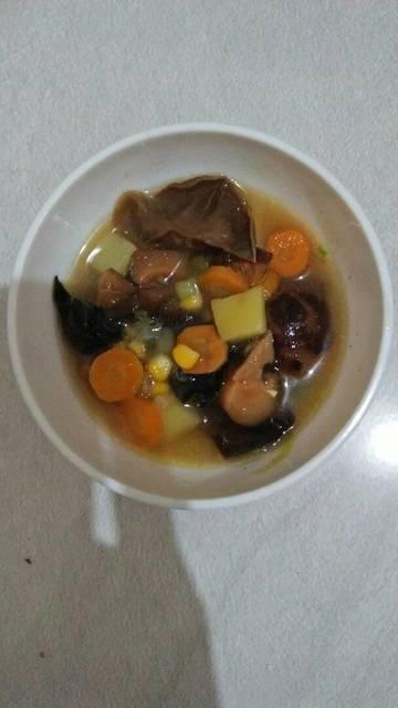 Resep mushroom 'n veggie soup ala rumah makan ciwidey