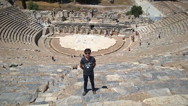 Harun İstenci Efes Büyük Tiyatroda