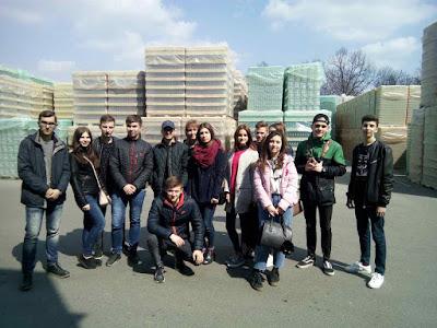 Екскурсія до Малинівського склозаводу зі студентами факультету менеджменту і маркетингу